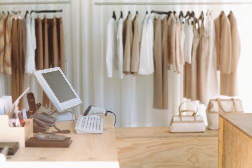 STORECARE - O software de gestão de varejo com controle de grade - para lojas de roupas e calçados